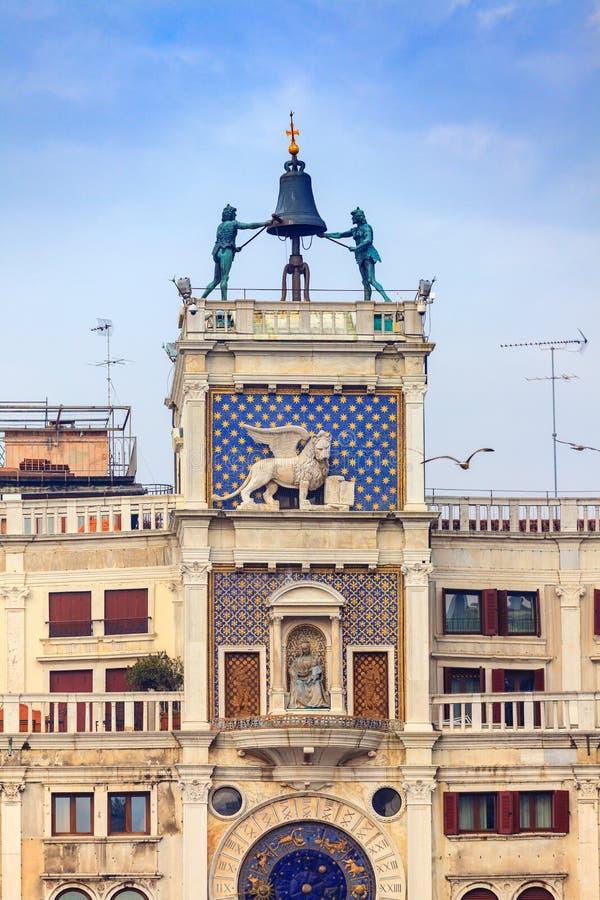 ` Orologio, Venedig, Italien för dell för klockatorn eller Torre arkivfoton