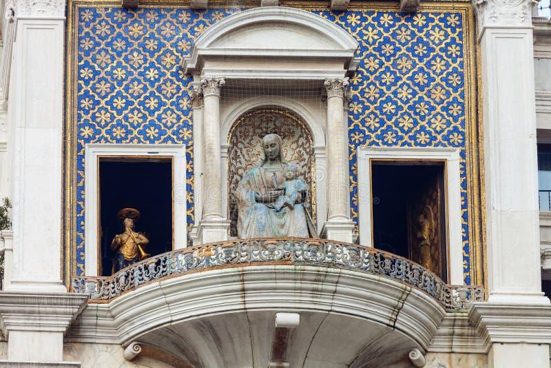 ` Orologio, Venedig, Italien för dell för klockatorn eller Torre royaltyfria foton