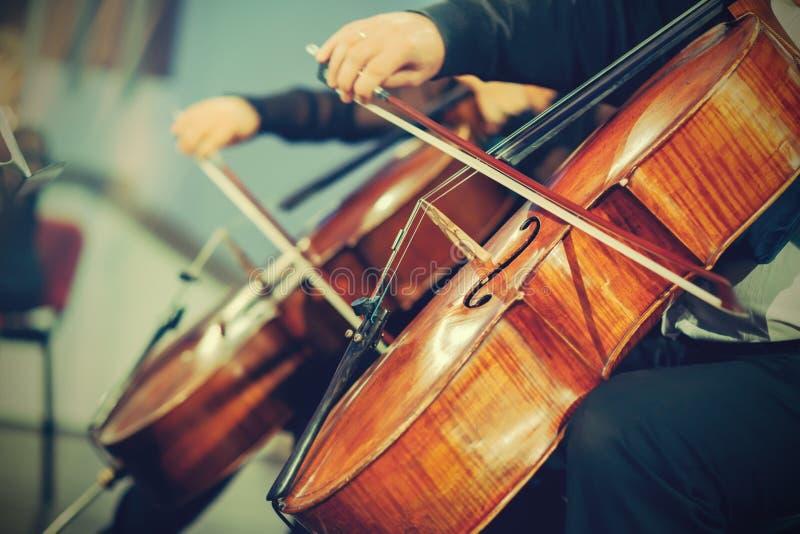 Orquesta sinfónica en etapa fotografía de archivo