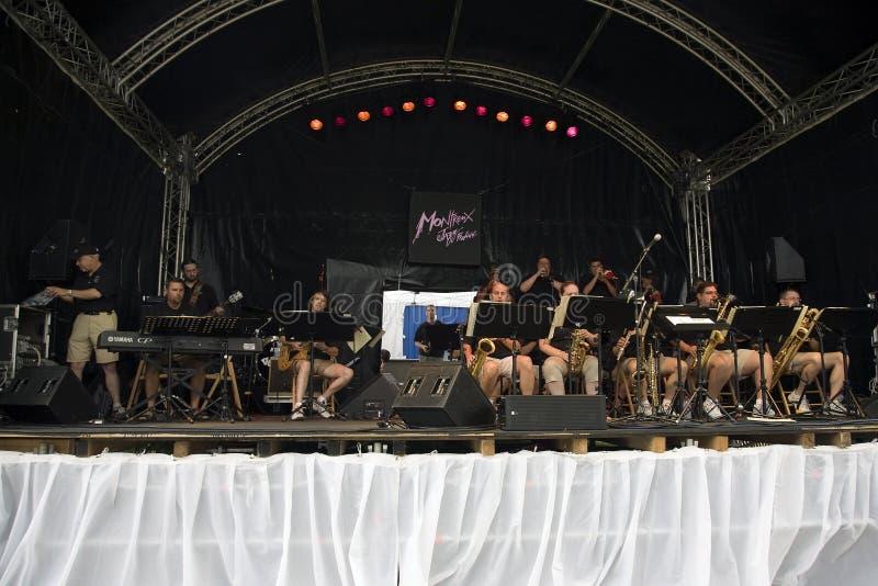 Orquestra do jazz do templo em Montreux fotografia de stock royalty free