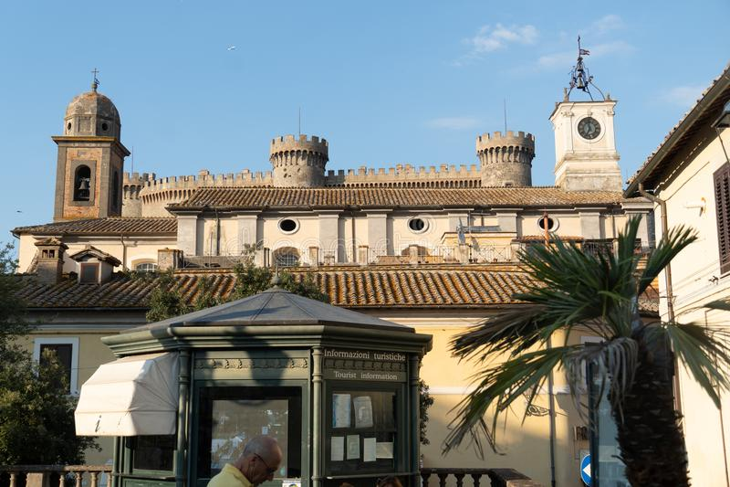 Orsini Odescalchi slott, Bracciano, Italien royaltyfri foto