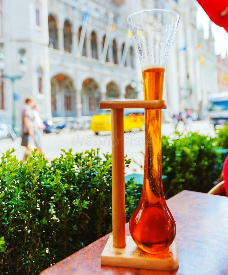 Orso belga in vetro tradizionale, Bruges fotografia stock libera da diritti