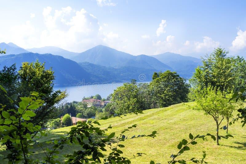 Orta jeziora panorama zdjęcia royalty free