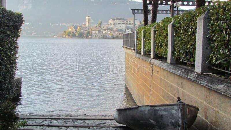 Orta jezioro - San Giulio wyspa fotografia stock