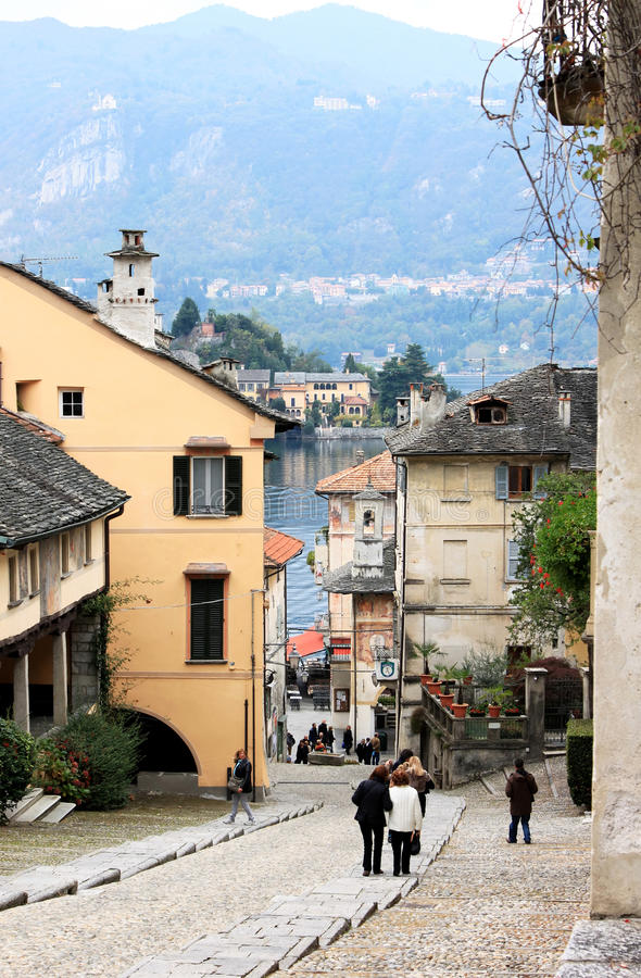 Orta San Giulio et lac Orta, Italie images libres de droits