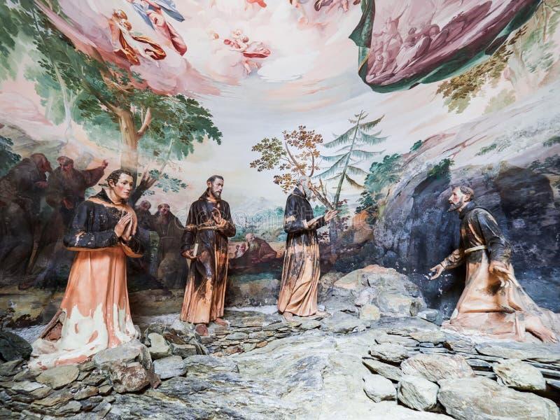 ORTA SAN GIULIO, ITALY/NOVARA - 6 AOÛT 2017 : Détail d'une des 21 chapelles sacrées du Sacro Monte di Orta Piedmont, de images libres de droits