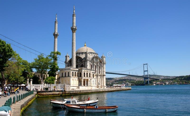 ortakoy istanbul moské fotografering för bildbyråer
