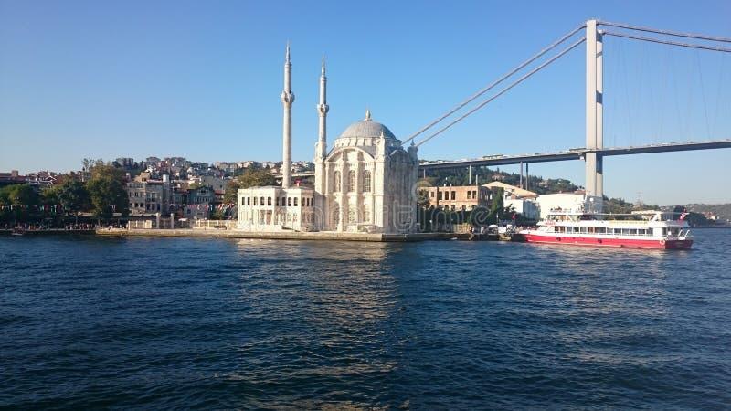 Ortakoy-Moschee und Bosphorus-Brücke, Istanbul, die Türkei lizenzfreie stockfotografie