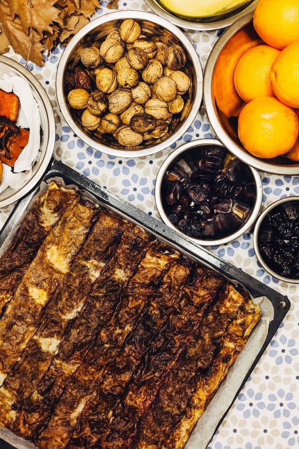 Orthodox Christelijk voedsel op de lijst stock foto's