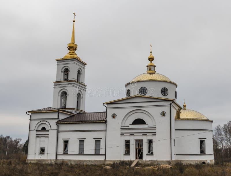 Orthodoxe kerk in aanbouw Rusland Het gebied van Kaluga stock foto
