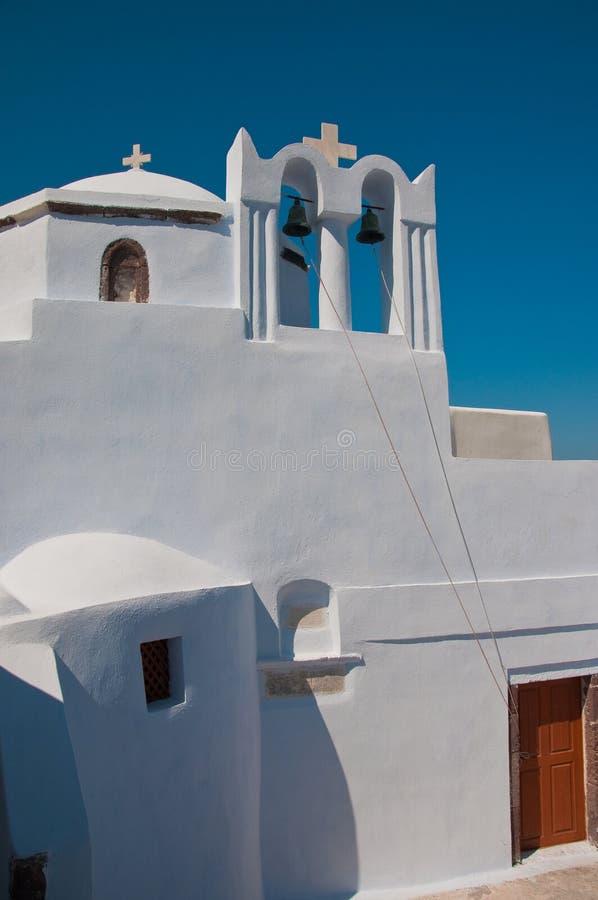 Orthodoxe Kirche in Santorini mit Glocken, Grece stockbilder