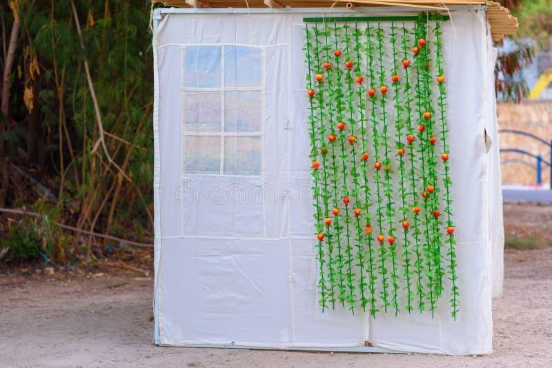 Orthodoxes jüdisches Sukkah während Sukkot-Feiertags in Jerusalem, Israel J?disches Festival von Sukkot Traditionelle sukkah Hütt lizenzfreie stockbilder