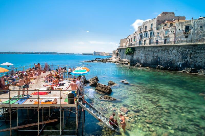 Ortigia Und Mittelmeer In Syrakus, Sizilien, Italien ...