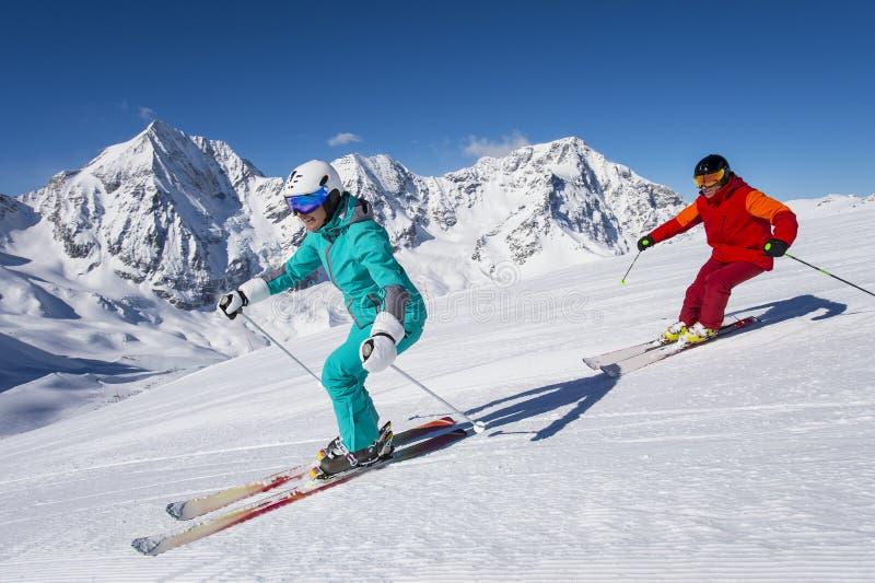 Ortles滑雪竞技场-滑雪在冬天妙境 图库摄影
