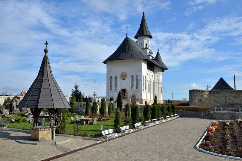 Ortodox klosterborggård arkivfoto