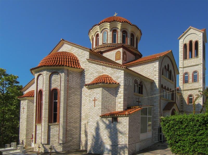 Ortodox kyrka av St George nära Asprovalta, Grekland arkivbilder