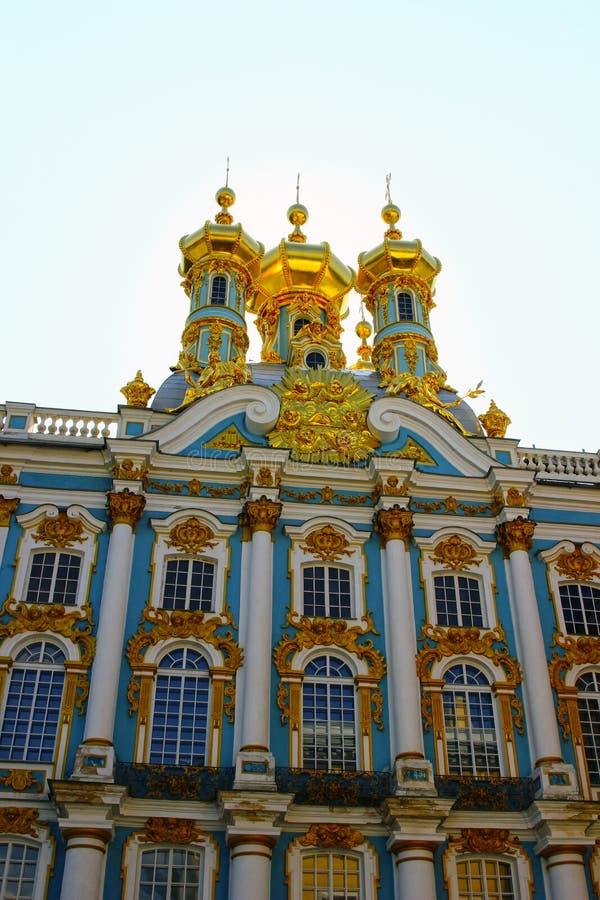 Ortodox kyrka av uppståndelsen i Catherine Palace i Pushk royaltyfria foton