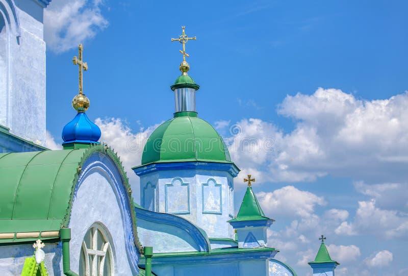 ortodoxa kyrkliga kupoler royaltyfri fotografi