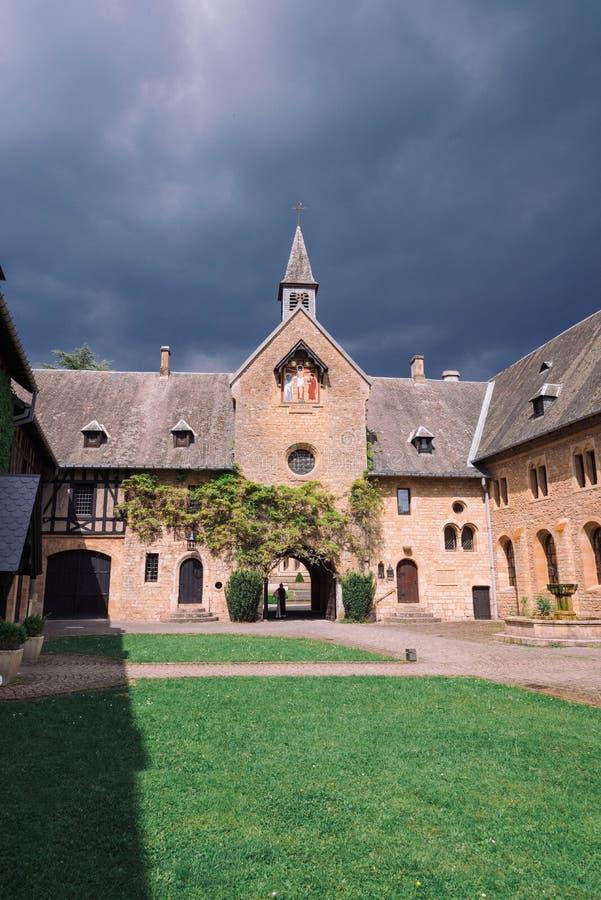 ORVAL, BELGIQUE - MAI 2018 : Entrée d'abbaye célèbre d'Orval dans le Belge photographie stock
