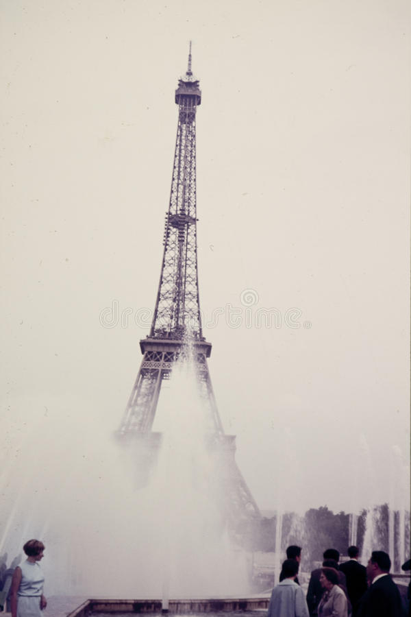 Oryginalny rocznika colour obruszenie od 1960s, młoda kobieta stoi Ben zdjęcie royalty free