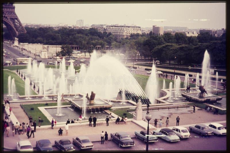 Oryginalny rocznika colour obruszenie od 1960s, widok fontanny i obraz stock