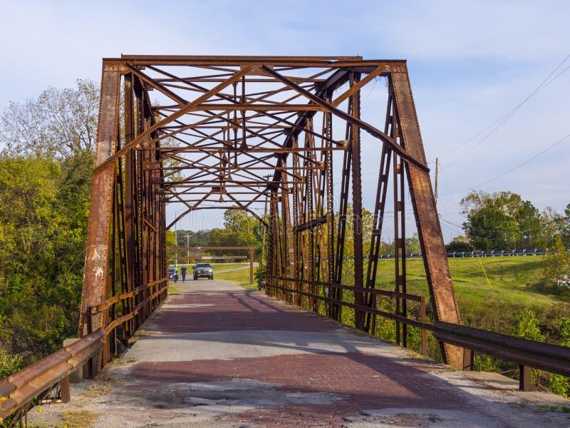 Oryginalny trasy 66 most od 1921 w Oklahoma OKLAHOMA, PAŹDZIERNIK - 24, 2017 - JENKS - fotografia royalty free