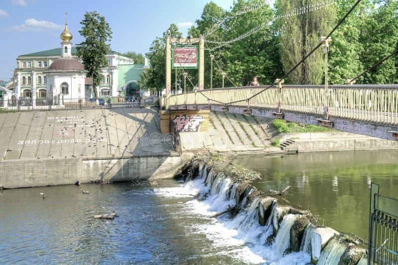 Oryol Flod Orlik och Epiphanydomkyrka arkivbilder