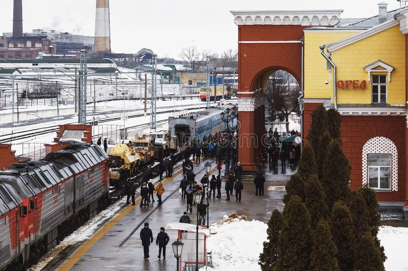 ORYOL, RUSLAND - FEBRUARI 25, 2019: De trein van de militair-patriottische actie 'Syrische breuk 'met gevangen militaire uitrusti royalty-vrije stock foto's
