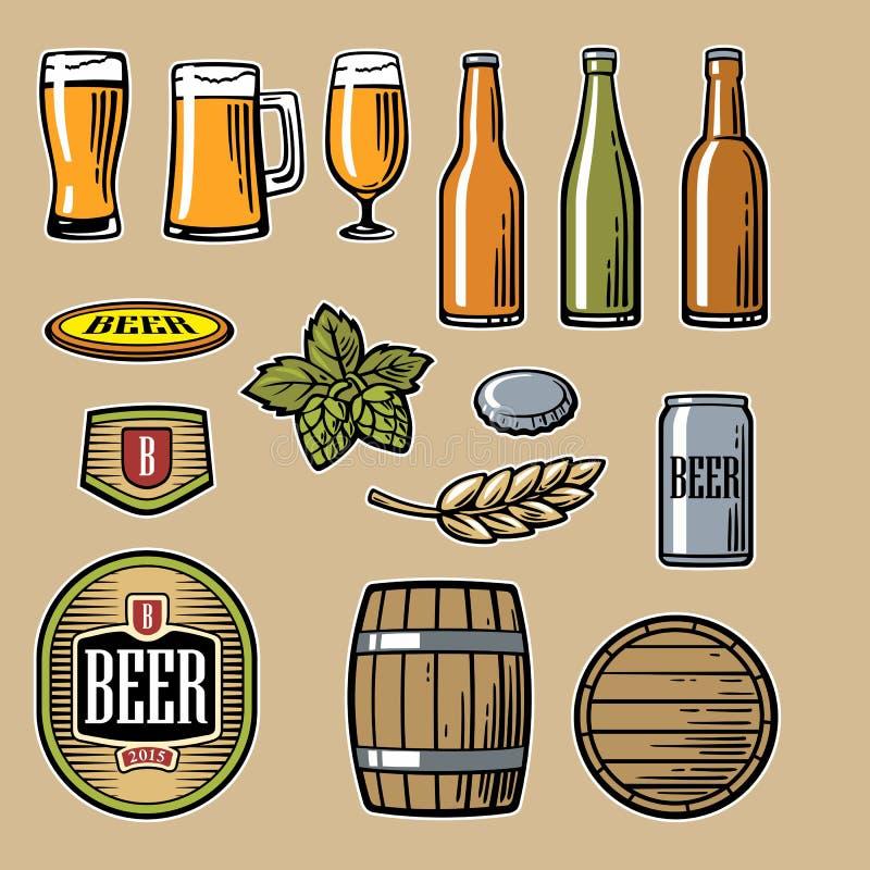 Os ícones lisos do vetor da cerveja ajustaram a garrafa, vidro, tambor, pinta ilustração royalty free