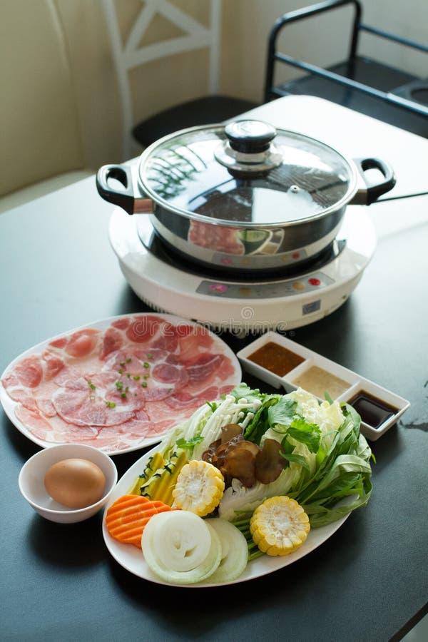 Os alimentos frescos para o shabu quente fotos de stock