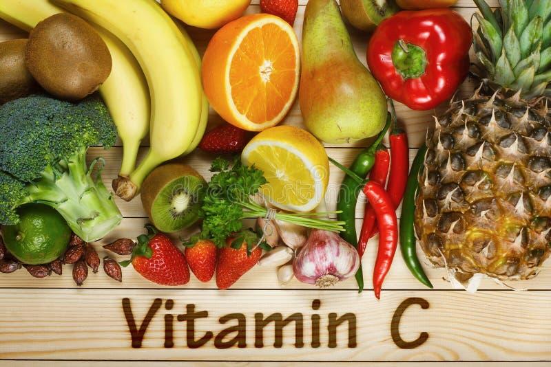 Os alimentos ricos na vitamina C imagem de stock royalty free