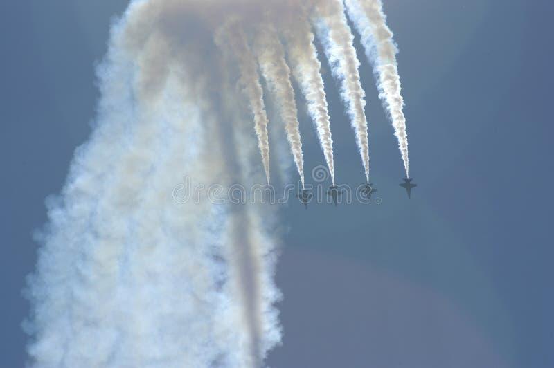 Os anjos azuis executam manobras foto de stock royalty free