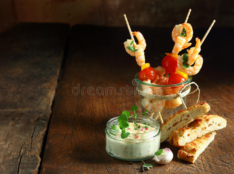 Aperitivos deliciosos do camarão fotografia de stock royalty free