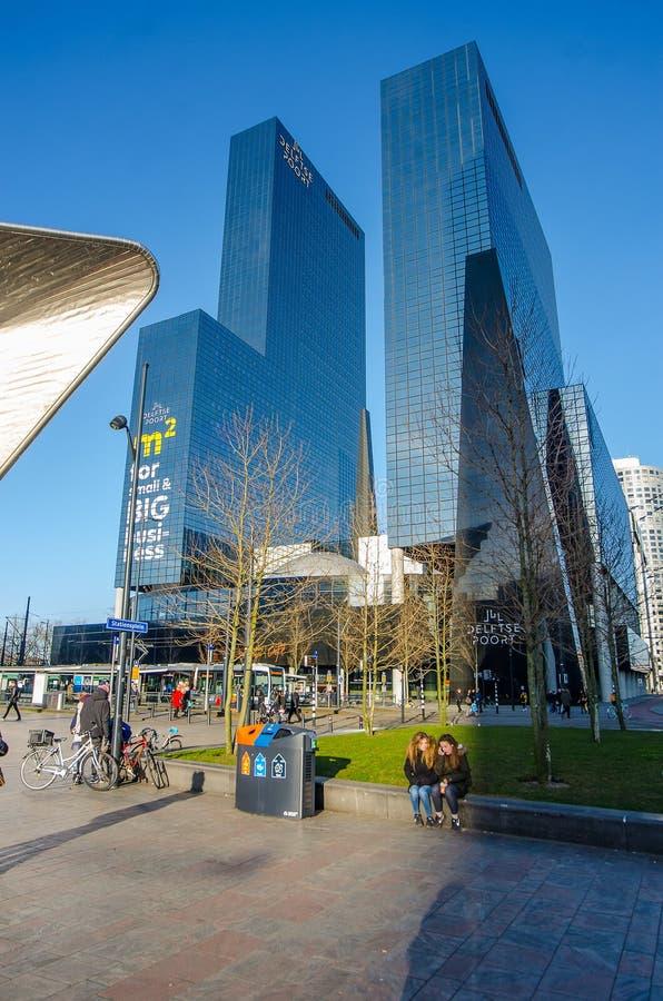 Os arranha-céus em Rotterdam foto de stock