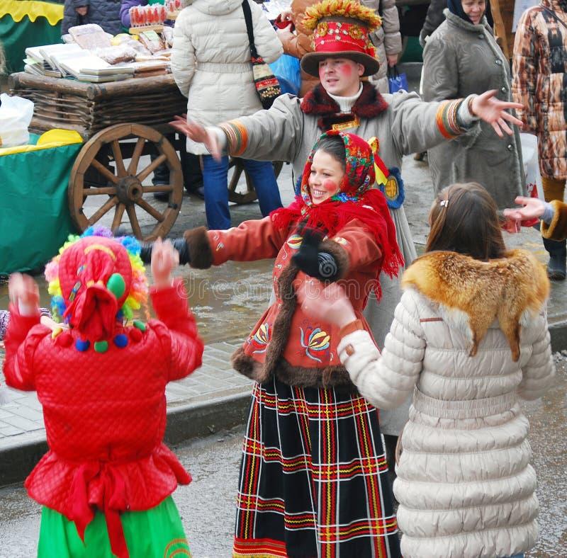 Download Os Atores Da Rua Amuzing O Público Fotografia Editorial - Imagem de outdoors, povos: 29832432