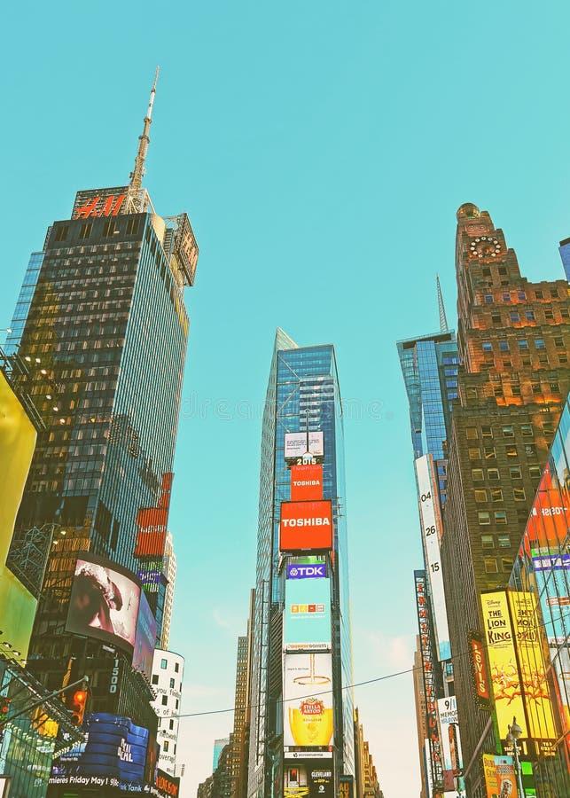 7os avenida e Broadway no Times Square NY EUA imagem de stock