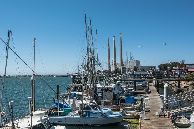 Os barcos no porto em Morro latem, Califórnia foto de stock