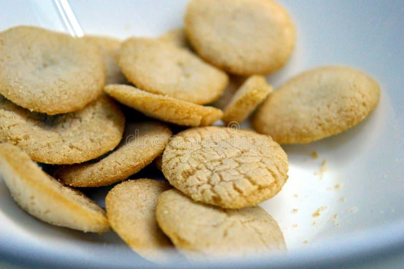 Os biscoitos do arroz provam o asada do carne imagem de stock royalty free