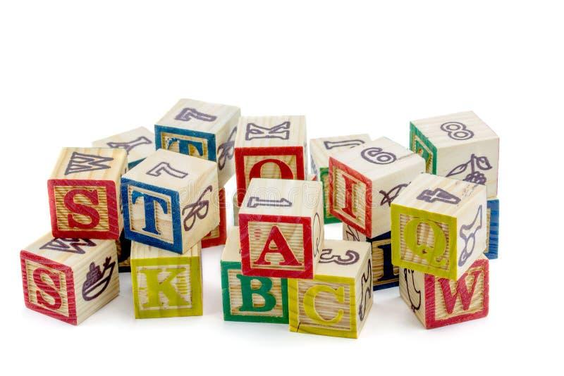 Os blocos de madeira do alfabeto imagem de stock royalty free