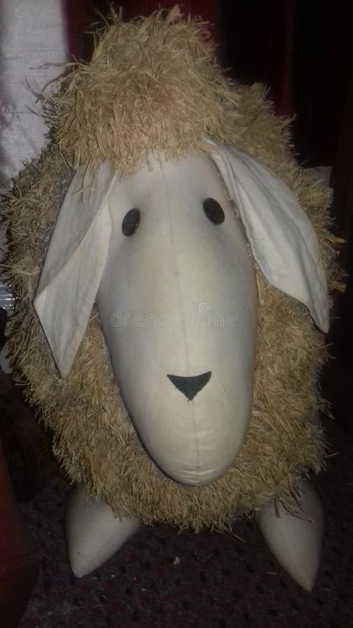 Os carneiros ornament em minha sala de visitas fotografia de stock royalty free