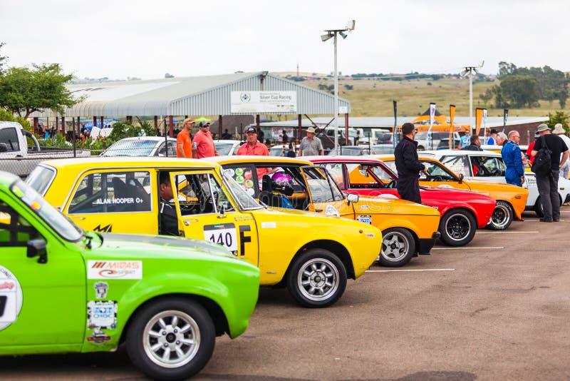Os carros alinham antes de uma raça em zwartkops imagem de stock