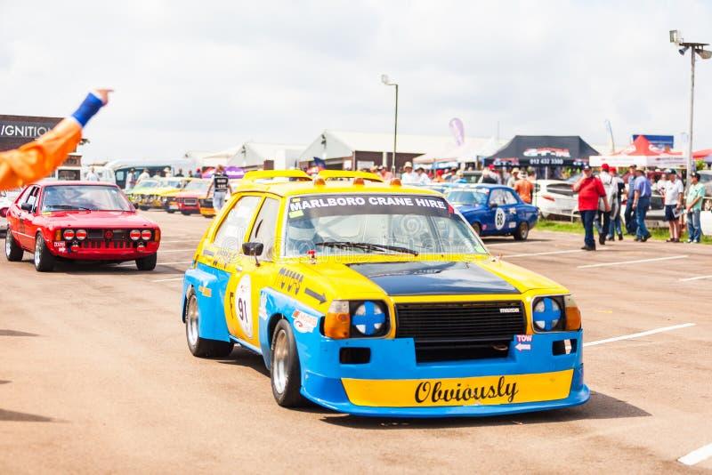 Os carros alinham antes de uma raça em zwartkops fotografia de stock