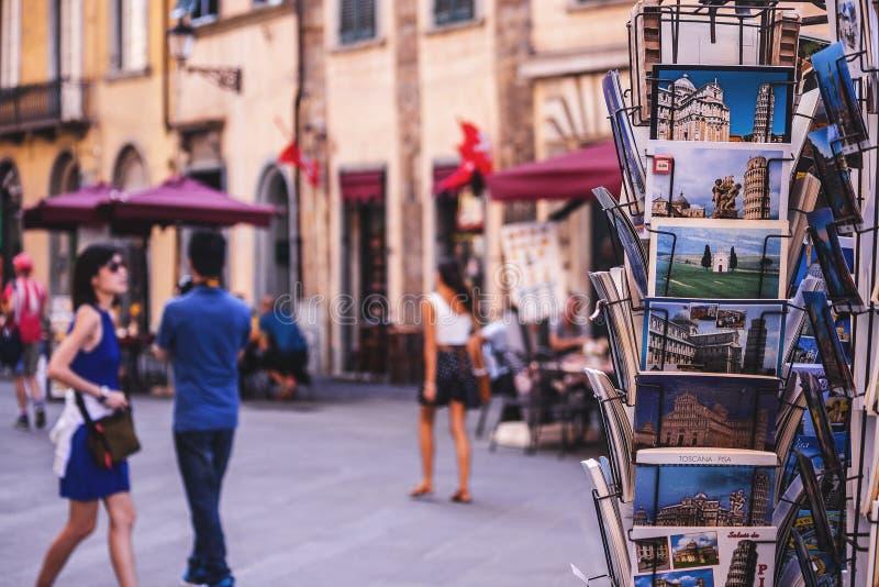 Os cartão do turista de Toscânia venderam a varejo imagem de stock