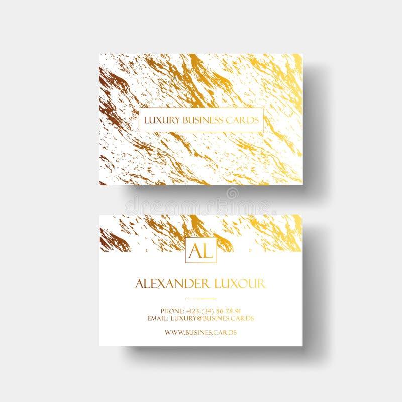 Os cartões luxuosos vector o molde, a bandeira e a tampa com textura de mármore e detalhes dourados da folha no fundo branco ilustração do vetor