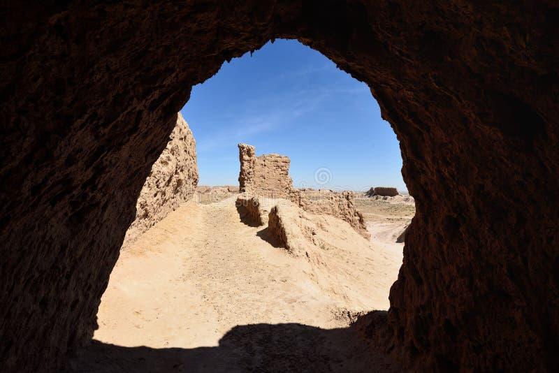Os castelos os maiores das ru?nas do ? antigo ?Ayaz - Kala de Khorezm, Usbequist?o imagem de stock
