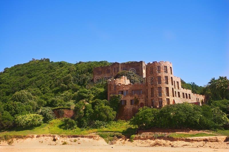 Os castelos velhos e novos de Noetzie foto de stock