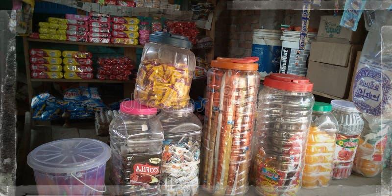 Os chocolates estão nas caixas fotos de stock