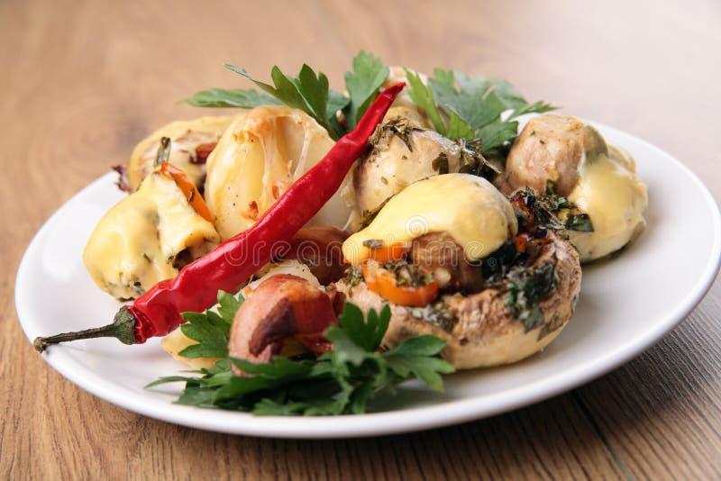 Os cogumelos cozidos com batatas fotos de stock