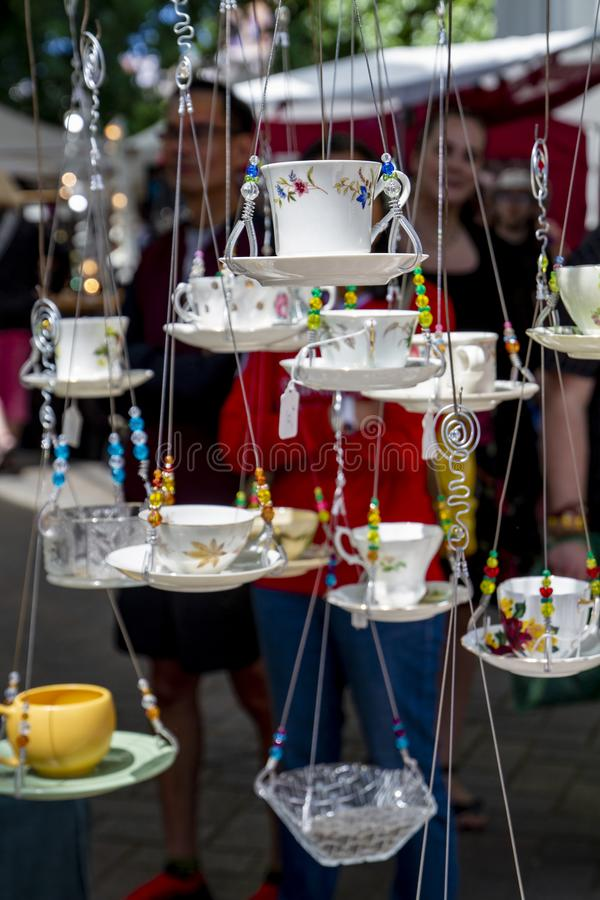 Os copos de suspensão da mostra do ofício do verão de Portland Oregon foto de stock royalty free