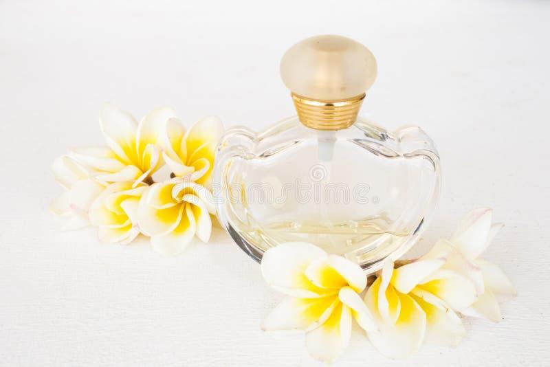 Os cosméticos do perfume para a mulher do estilo de vida relaxam fotos de stock